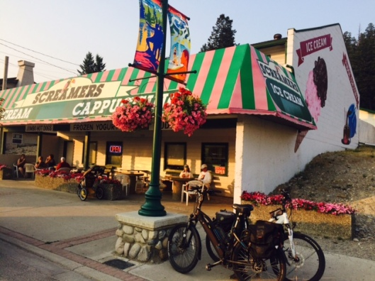 Ice cream shop Radium Hot Springs