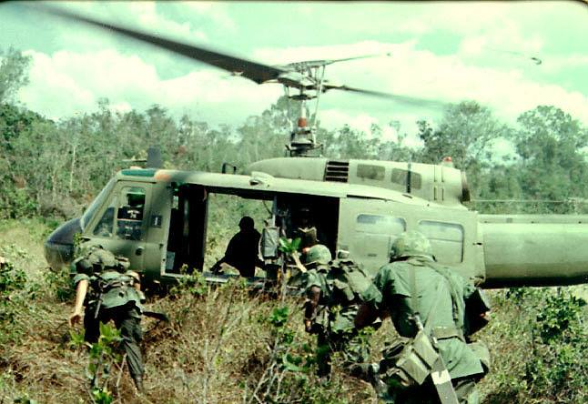 Troops getting in Huey